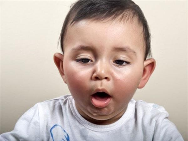 hiện tượng thở gấp ở trẻ sơ sinh 1