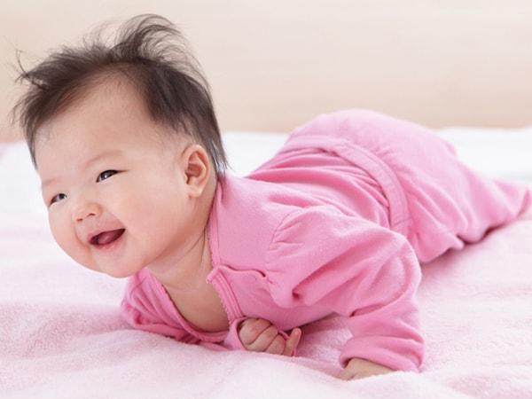 nguyên nhântrẻ sơ sinh gắt ngủ 1
